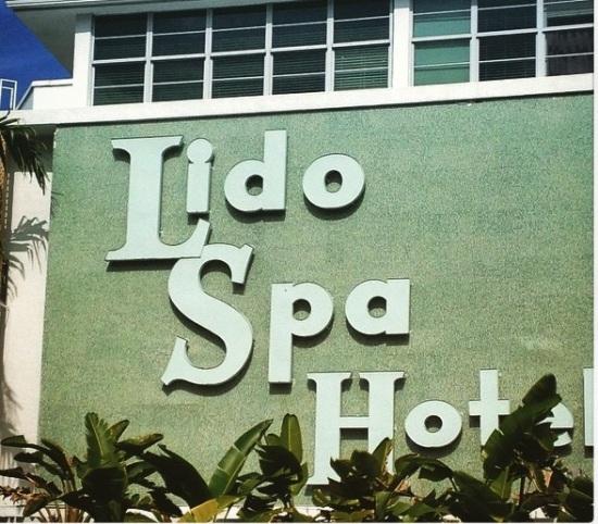 Lido_hotel_Miami