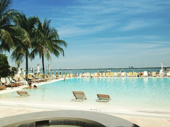 Standard_spa_Miami_pool